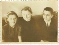 Eva Bošková s rodiči před zatčením jejího otce
