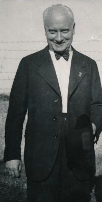 Matčin otec Rudolf Ondráček