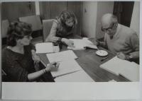 Jitka Borkovcová (vlevo) a Josef Červinka (vpravo) při čtené zkoušce