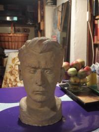 Karel Floss, busta vytvořená během jeho pobytu u PTP