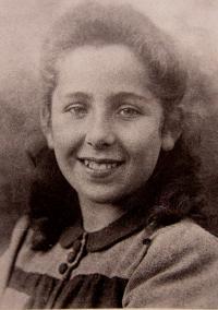 Eva Dobšíková v roce 1945
