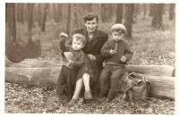 1961 - Zdislava se syny