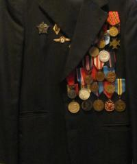 Uniforma s vyznamenáními Jana Hronka
