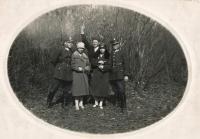 Tatínek Václav Vlk, první zleva, 1928