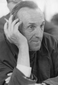 2. Bohumil Jirounek – 1968- po besedě s Bohumilem Hrabalem a Jiřím Menzlem o filmu Ostře sledované vlaky- konalo se v Mladé Boleslavi