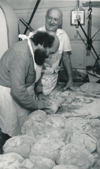 Čestmír Klos v pekárně