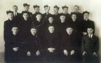 Foto z noviciátu (Pamětník v prostřední řadě druhý zleva)