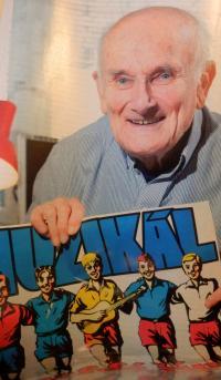 Jindřich Hojer a plakát muzikálu Rychlé šípy