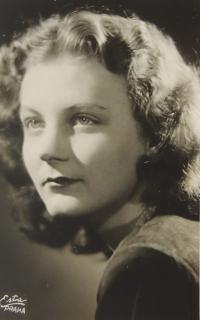 Taisa, maturitní foto 1943