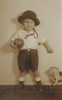 Jindra Hojer, cca 1927
