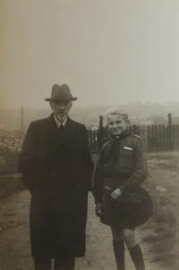 Jindra s tatínkem, 1936