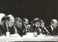 Marián Čalfa and the leadership of Public Against Violence (1989).