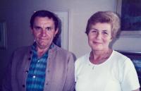 J. Tesař a A. Tesařová v Paříži, 80. léta