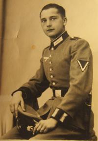 Otec Josef Kočí ve wehrmachtu v roce 1939