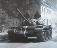 Polská vojska na dnešní ulici Československé armády v Šumperku během vpádu vojsk Varšavské smlouvy