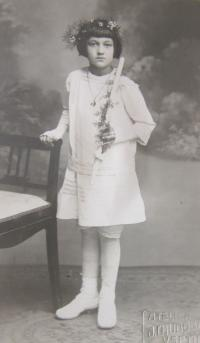 Holy Communion mother in 1920