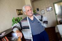 Dimitrij Lupej ve svém bytě
