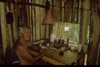 Richard Barvínek v kanceláři v Belize