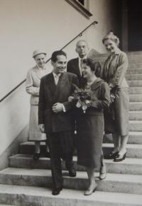 Svatební fotografie skupinová, 1959