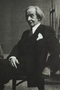 Profesor Vratislav Nechleba v ateliéru, 1953, Praha