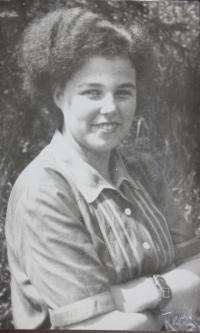 Lýdia Piovarcsyova (portrét)