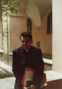 V klášteře sv. Jiljí v Praze, 1990