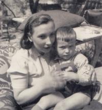 Po návratu z vězení, březen 1955