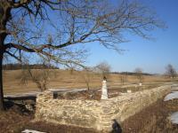 Hřbitov  v zaniklé osadě Štolnava (Prameny, něm. Stollenhau).