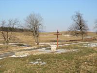 V roce 2014 obnovené základy kaple sv. Jana a Pavla v zaniklé osadě Štolnava (Prameny, něm. Stollenhau).