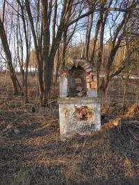 Zničené Boží muka  v zaniklé osadě Štolnava (Prameny, něm. Stollenhau).