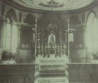 Interiér bývalé kaple sv. Jana a Pavla ve Štolnavě