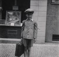 June 1944 (before departing to Moravia), Libeň, the witness is standing in front of his family's house at 1835/19 U Libeňského pivovaru Street