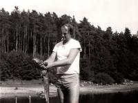 V přírodě, jako rybář