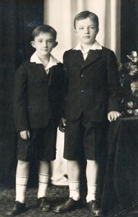 Kasal Jan - vpravo, bratr Jiří Kasal vlevo