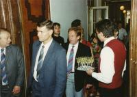 Slavnostní otevření kanceláře Svobodné Evropy v Praze, 17. 5. 1990