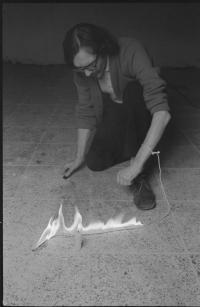 Petr Štembera – Hašení, 1975, záznam z vystoupení, dobová fotografie