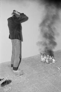 Petr Štembera – Skok č. 1, 1976, záznam z vystoupení, dobová fotografie