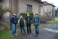 Před domem Burdychových