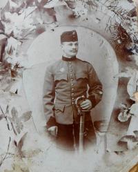 Otec Josef Drozd u hulánů v Rakousko-uherské armádě