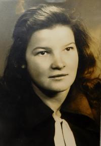 Marie Čuboková (Drozdová) v roce 1951