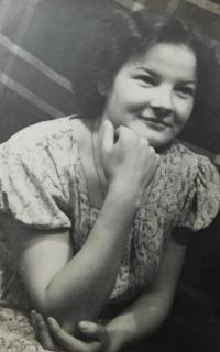 Marie Čuboková (Drozdová) v roce 1956