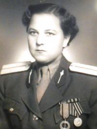 Cecílie as a lieutenant