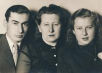 Stanislav Husa – photograph with mother and sister made for Stanislav's imprisonned father, 1944-45