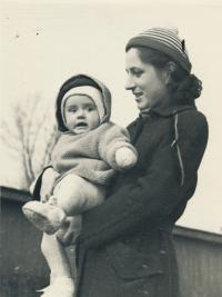 Stanislav Husa – Stanislav's wife with their daughter, historical photograph, 1953