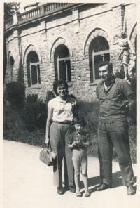 Stanislav Husa – on holidays with his wife and daughter after being released from prison, historical photograph, 1956