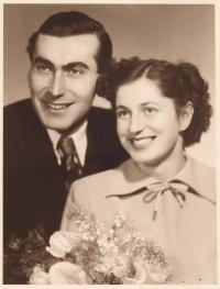 Stanislav Husa s manželkou, svatební fotografie, 1952