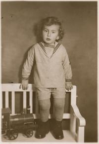 Stanislav Husa as five years old, historical photograph, Bratislava