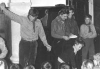 Vánoční besídka v klubovně na staré radnici v Ostrově nad Ohří 14. prosince 1969