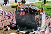 Základní kámen pomníku Díky Ameriko, 1990