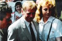 Prezident Havel a jeho sličná bodyguardka, Plzeň 1990